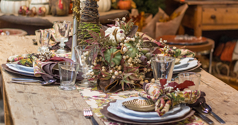 A closer image of the fall dining set up for celebration of fall with Eric Cortina