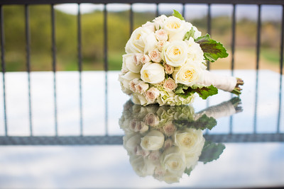 An image of a white rose bouquet from the lim wedding