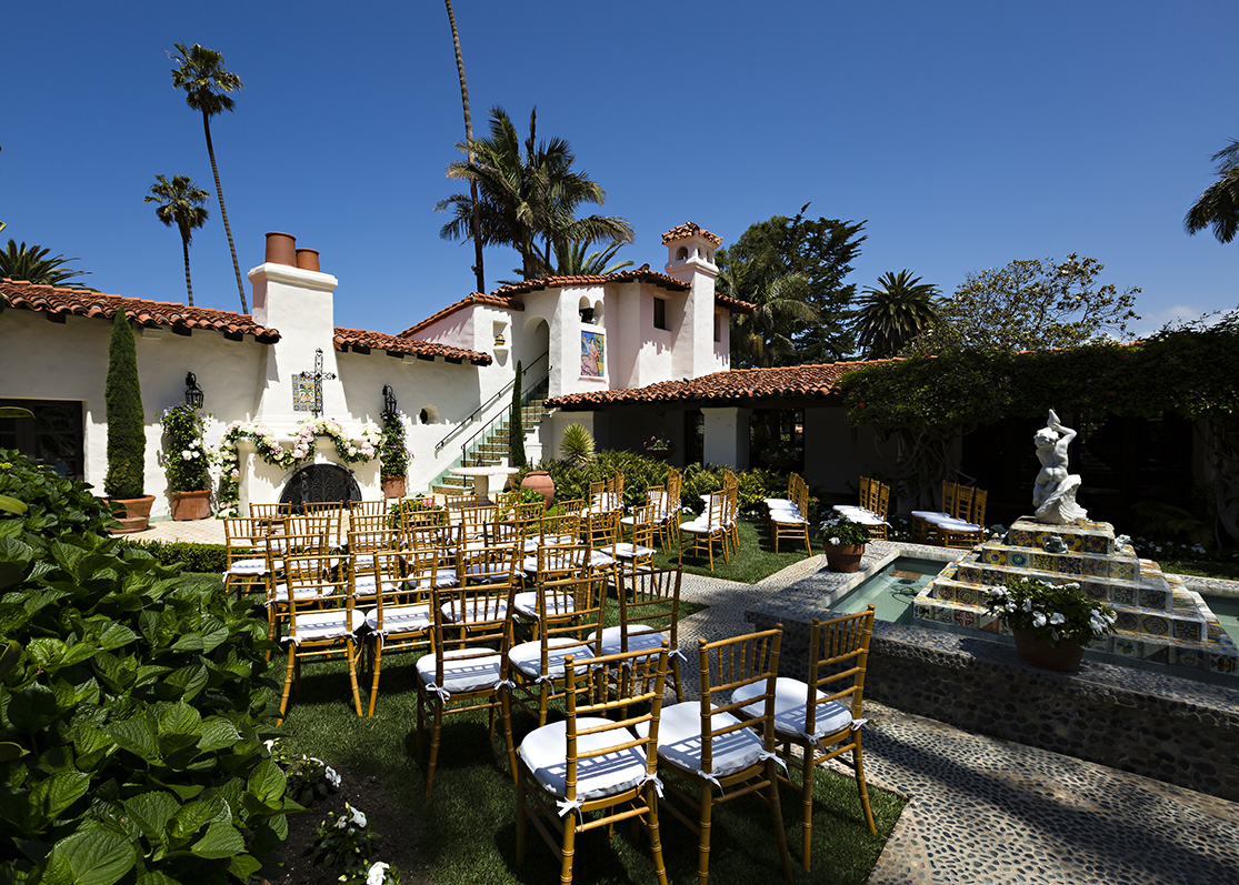 An image of the chair set up from the Dunzer wedding