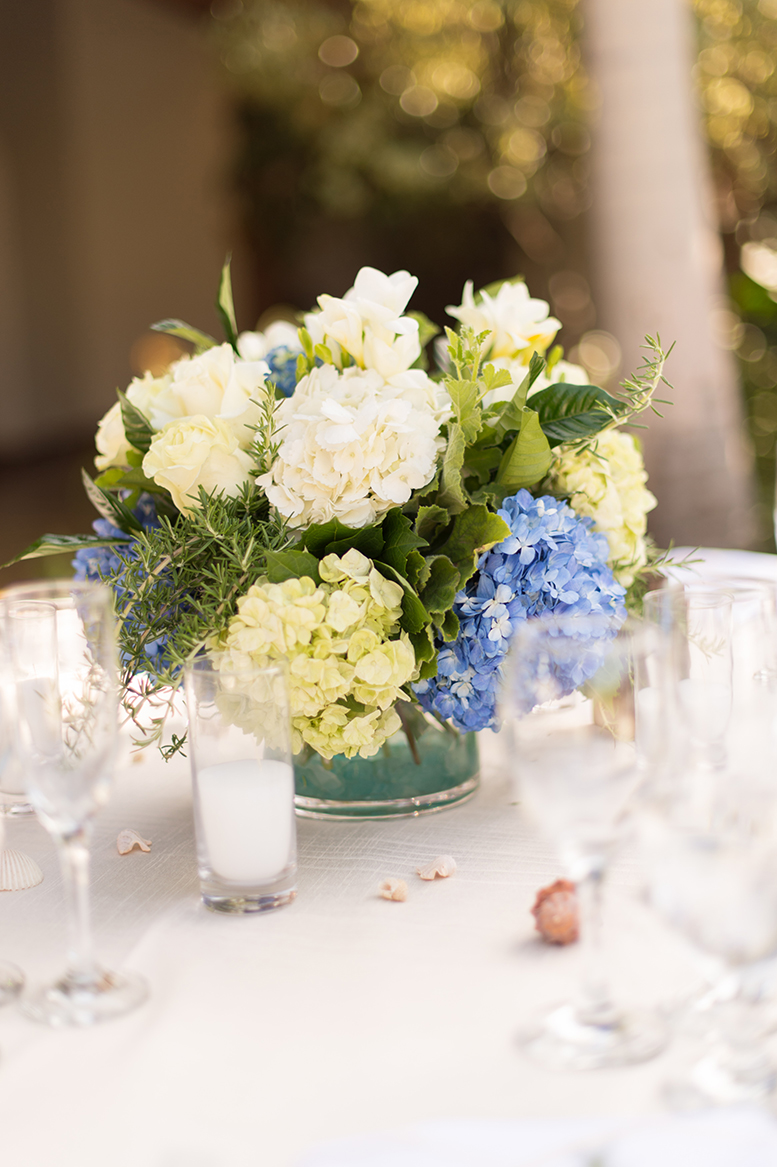An image of white and blue hydrangeas wedding placement