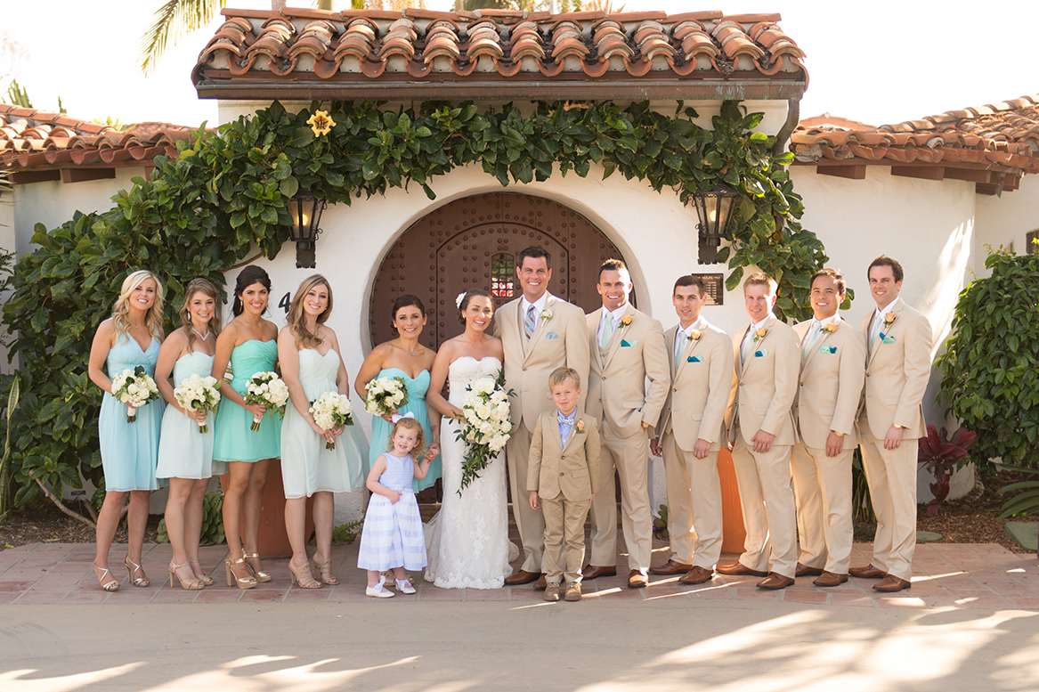 An image of the bride, groom, bridesmaids and groomsmen at the Premoli-Herbert Wedding