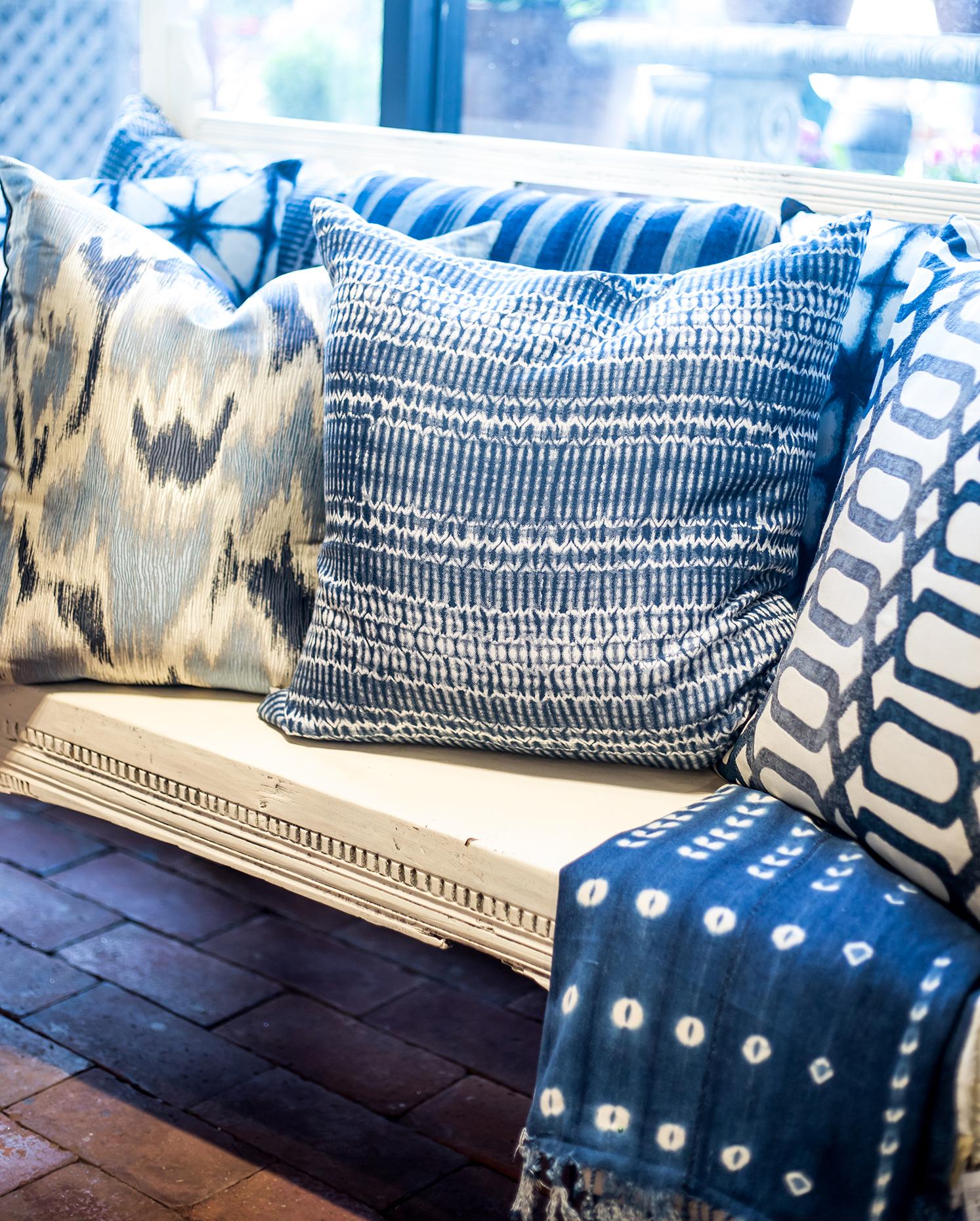 Blue White 2018 Home Decor Trend Roger S Gardens