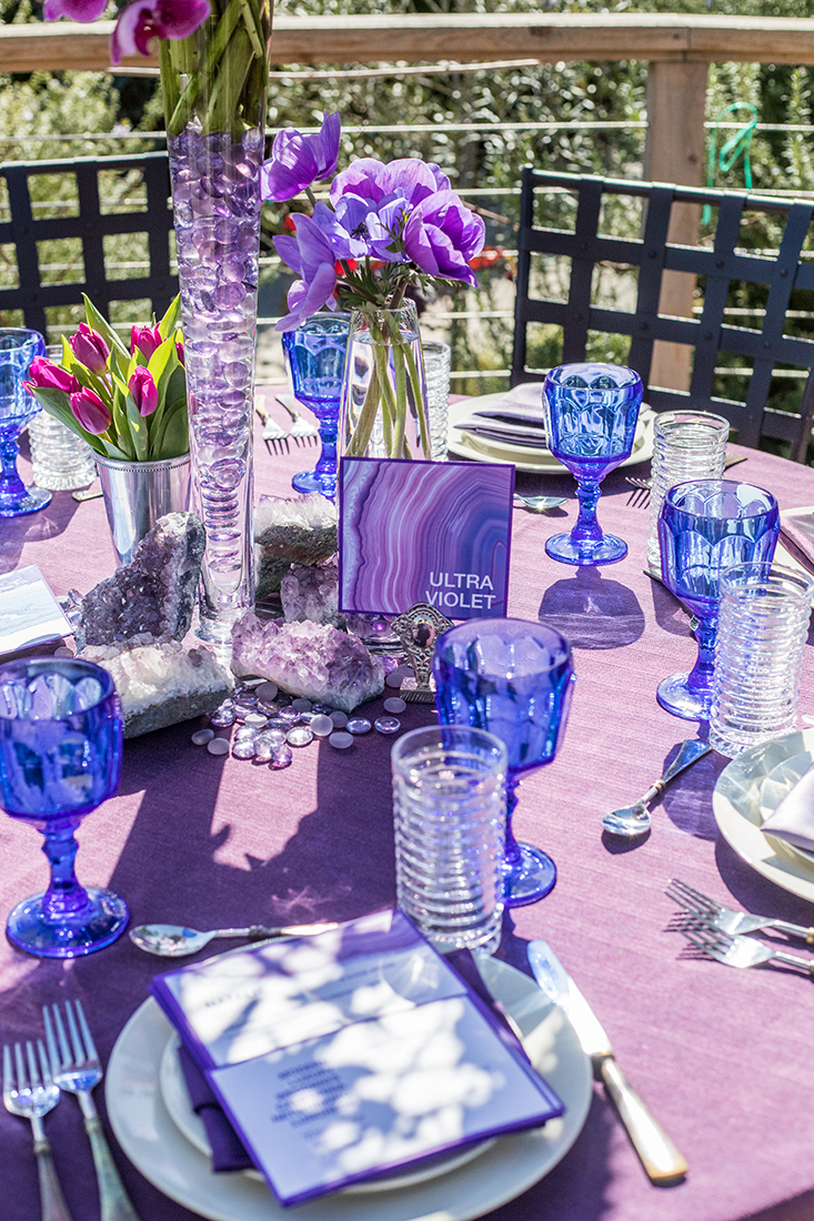 An image of ultra violet dining placement set