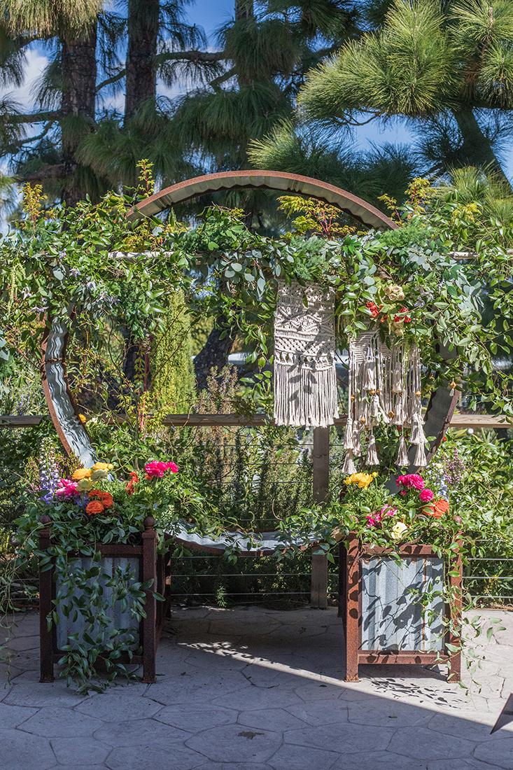 Modern Luxury Floral Design
