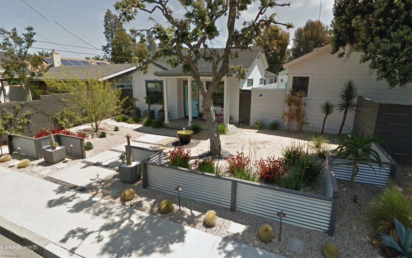 An image of a Fullerton house as one of the Finalists for the 2018 California Friendly Contest Garden