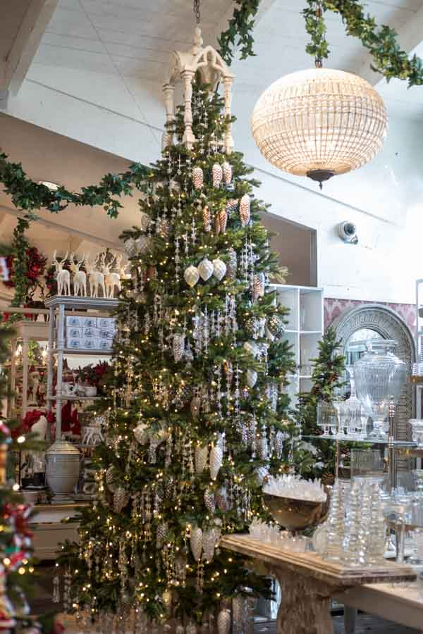 Christmas 2018- Silver Pinecone Tree