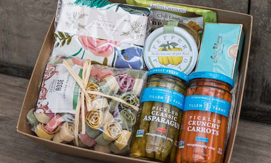 An image of a gourmet food Spring Hostess gift basket