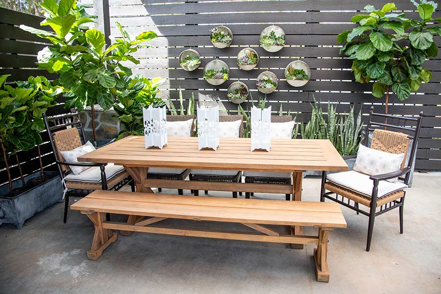An image of the low country Teak Dining Set
