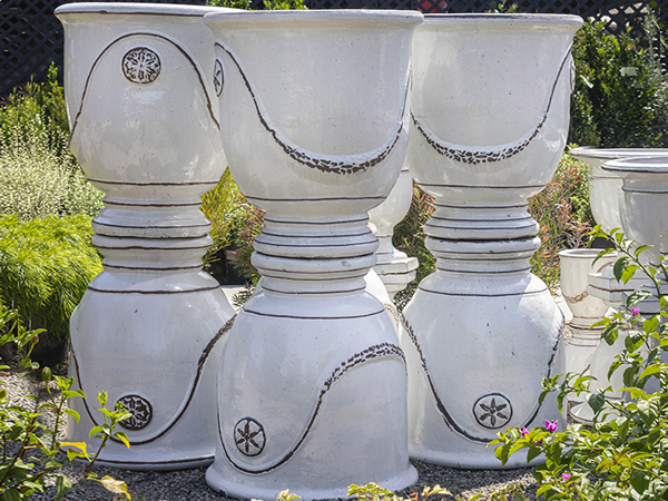 An image of cup pots white