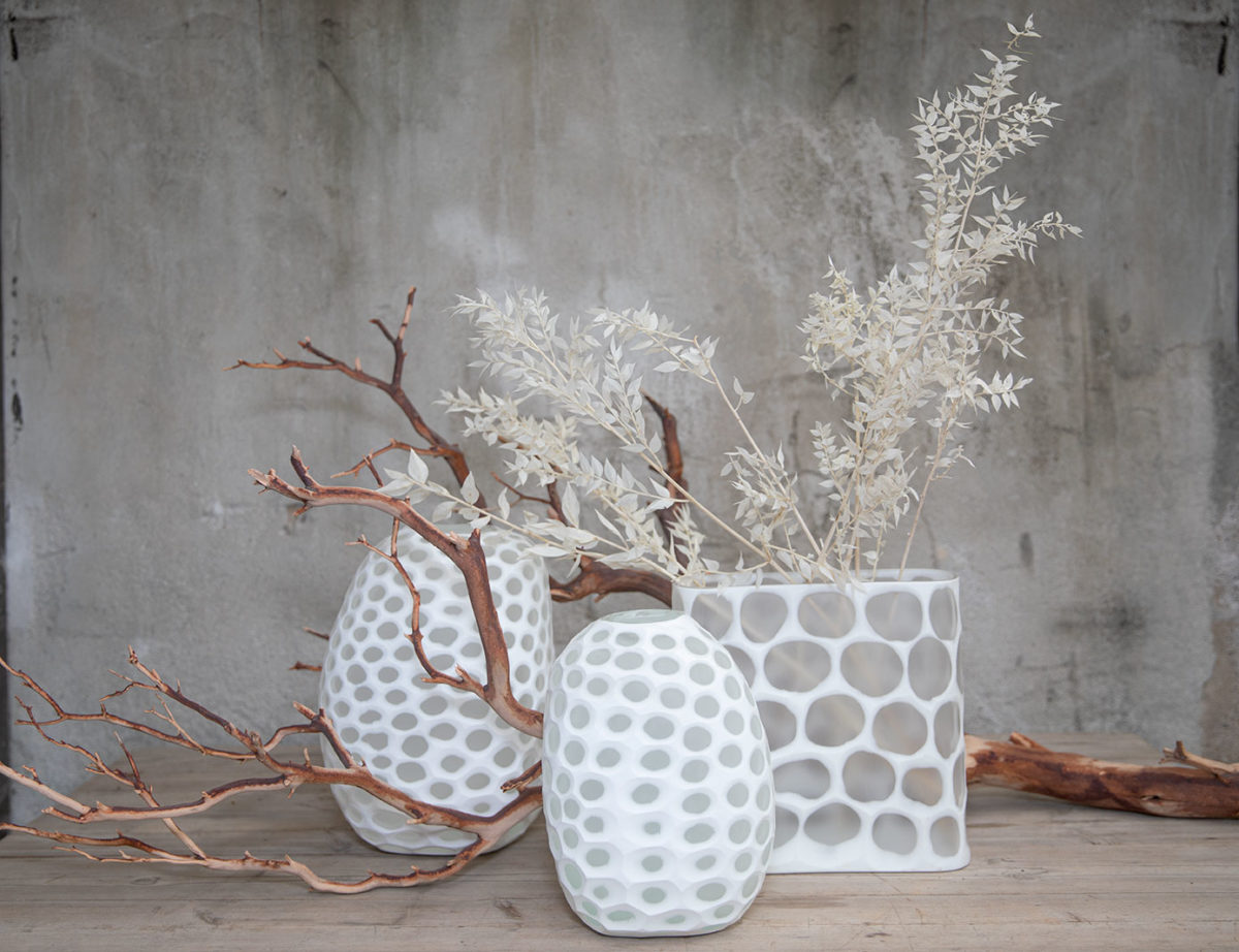 White circle pattern vases