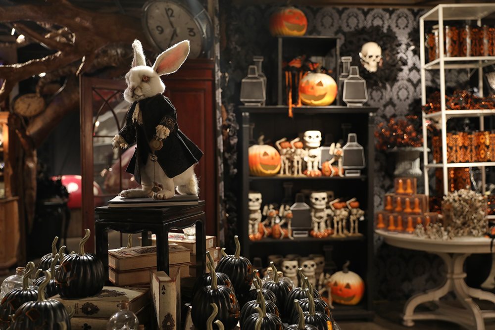 Malice in Wonderland White Rabbit Room